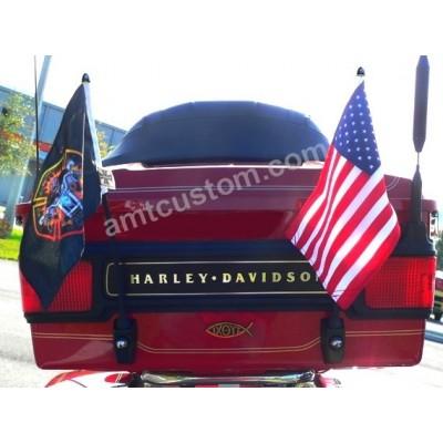 Exemple montage Drapeau USA  fanion moto trike Custom Harley