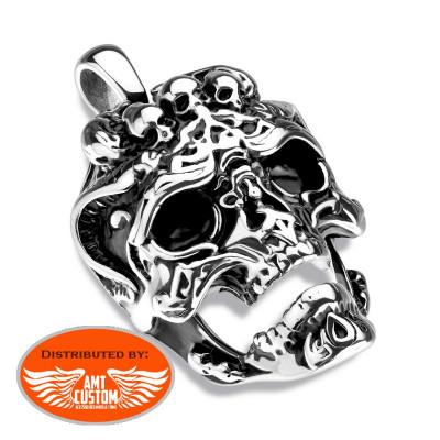 3 Skulls Howling Skull Necklace Pendant