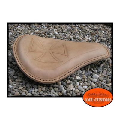 Selle solo cuir Croix de Malte marron naturel moto
