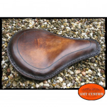 Selle solo cuir brun brillant marron moto