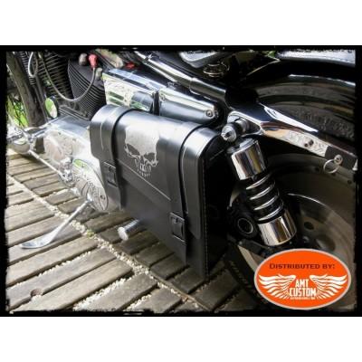 Black Swingarm Skull HD Side frame leather bag Harley Bobber - Choppers