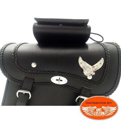 Sacoches cavalières verrouillables cuir Aigle - moto Custom details devant fermeture moto custom harley chopper