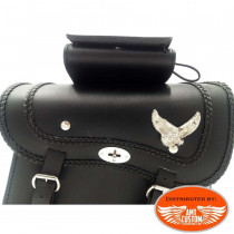 Pair of saddlebags Eagle Riders universal leather front view details moto custom chopper