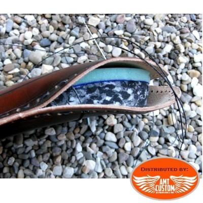 Selle pouf passager cuir Noir Route 66 pour moto selle solo Bobber Choppers fabrication artisanale avec mousse confort