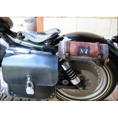 Sacoche outils Route 66 Cuir Marron - Installation sur sabres moto