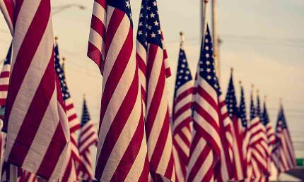Mâts et supports drapeaux